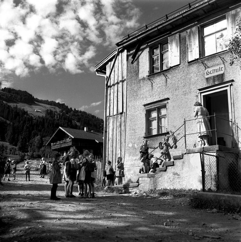 Dorfschule in Bolsterlang, 1951