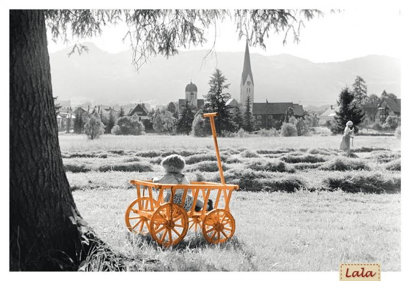 """Postkarte """"Kind im Leiterwagen"""""""