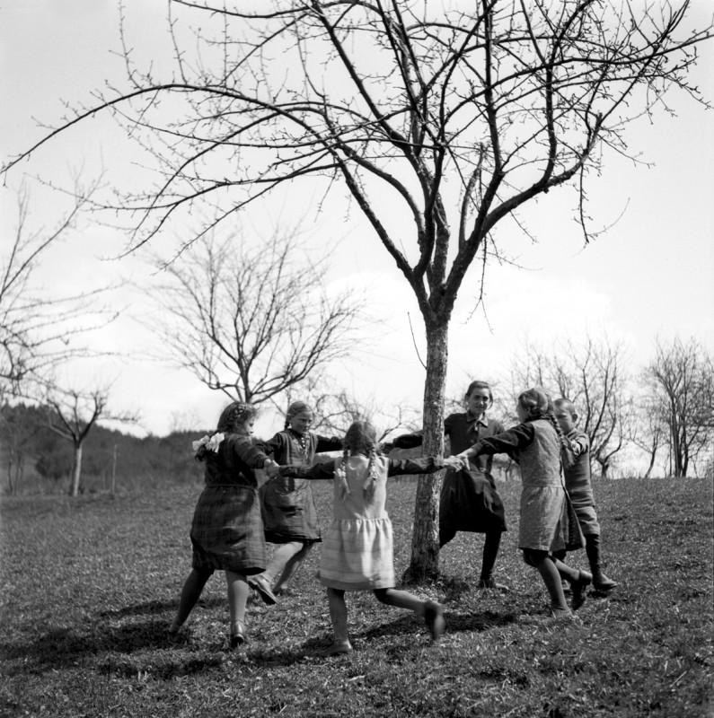 Ringelreihe weiter Kreis, 1933