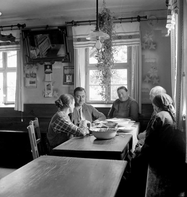 Unser täglich Brot, 1934