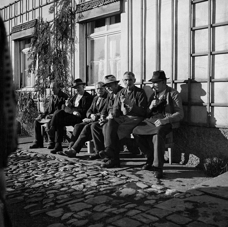 Den Arbeitstag ausklingen lassen, 1934