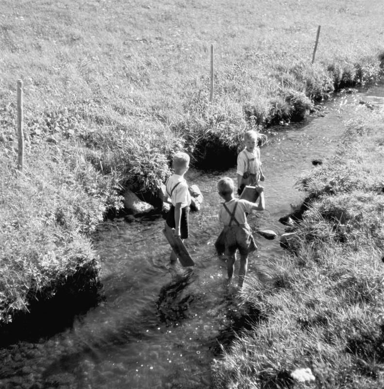 Buben am Bach, 1949