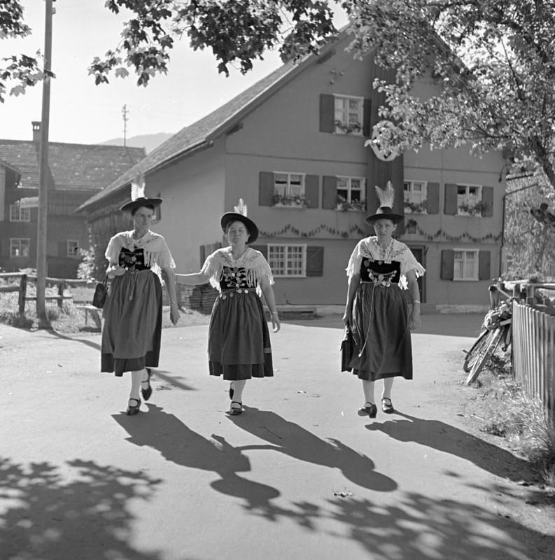 Drei Allgäuer Trachtenföhla, 1939